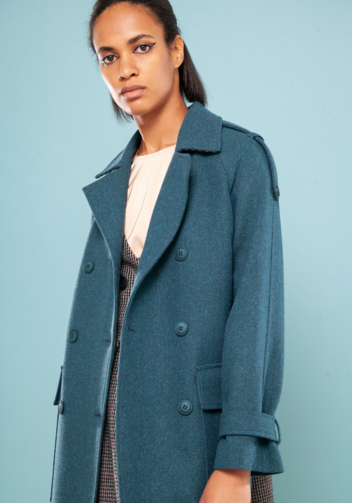 Autumn azure coat with a tweed insert on the back of Amazon 21