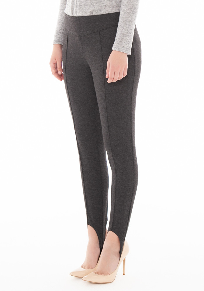 Tapered trousers in grey  Zurich