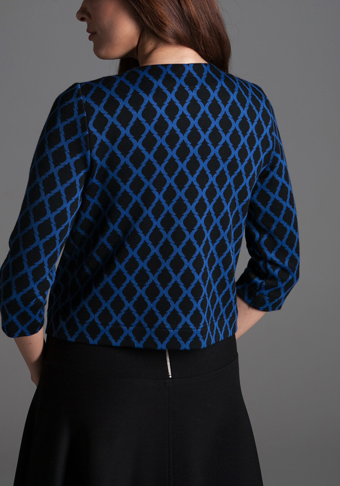 Short jacket with blue print Magik