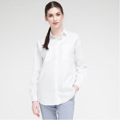 Як повинна сидіти біла сорочка вільного крою?