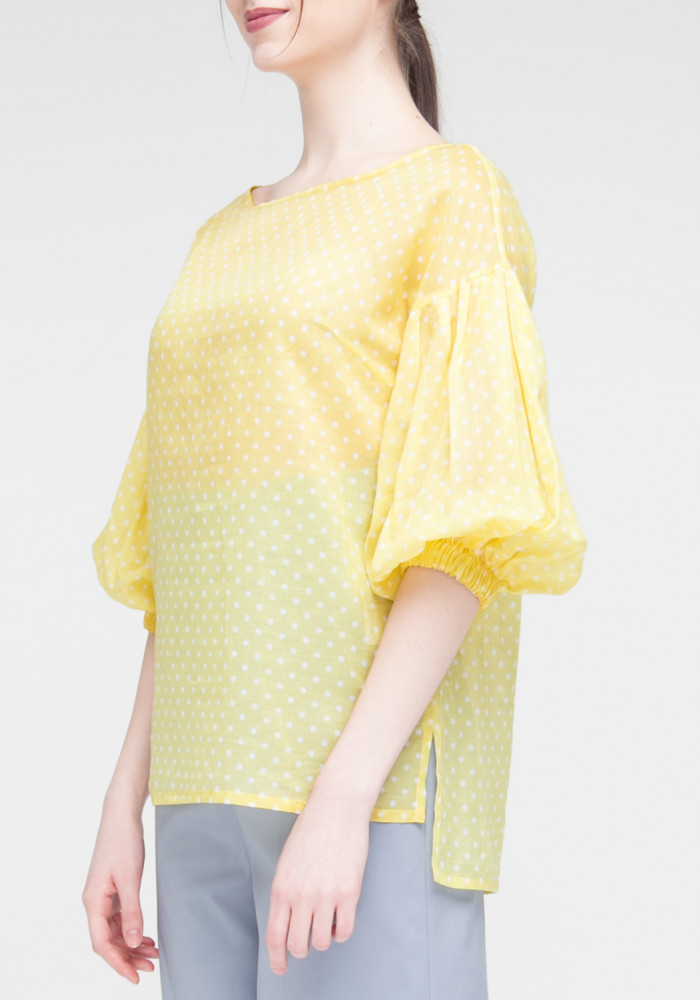 """Blouse of yellow color with white peas """"Reus"""""""
